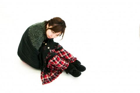 冬の装いの女性