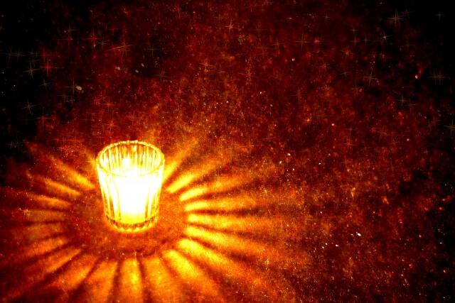 LEDキャンドルの明かりで癒される