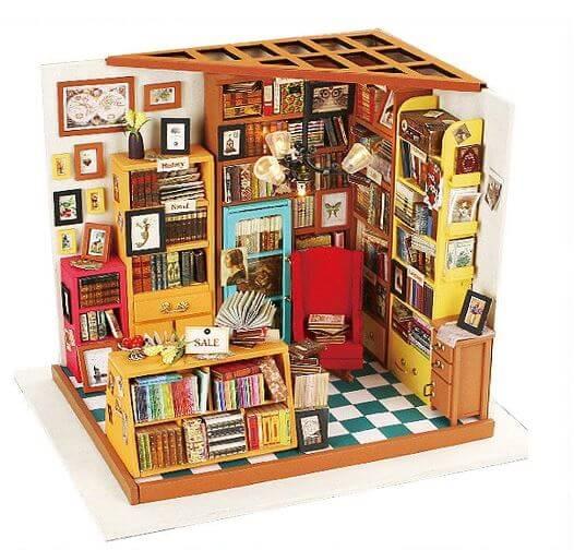 天井までいっぱいの本屋さんミニチュアキットの外観