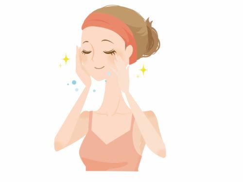 エゴマ油のパワーで皮膚の乾燥を防いでいる女性